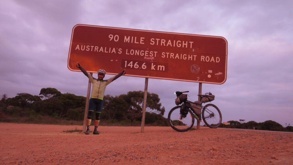 the-longest-straight-road-in-australia-march-2016